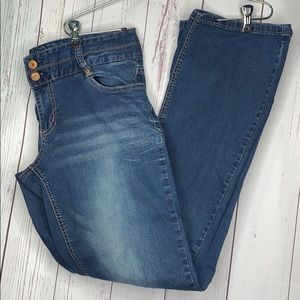 Maurices Jeans Straight Boot cut stretch  11/12